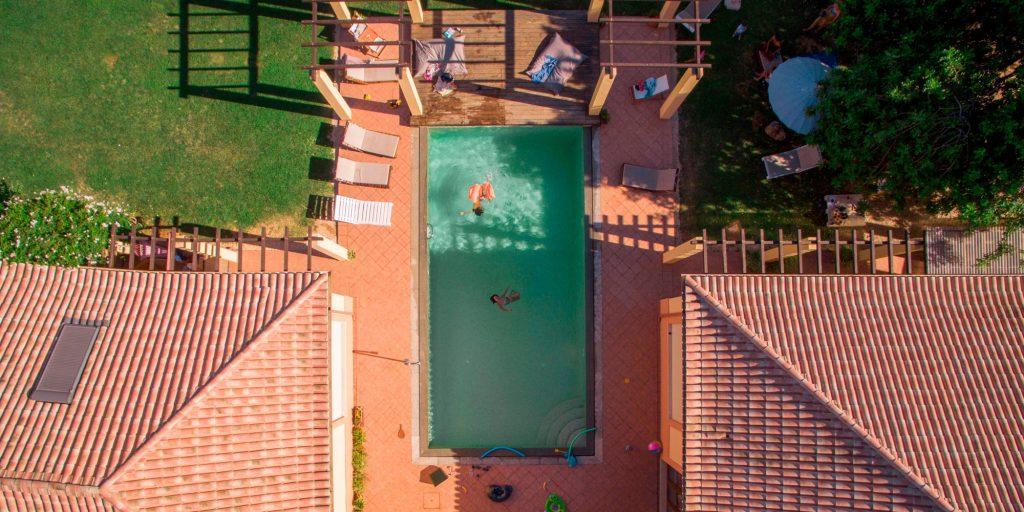 La piscine vue du ciel